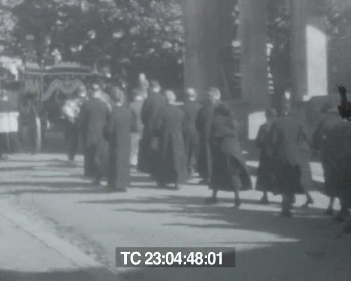 Obsèques du curé de Pleine-Fougères