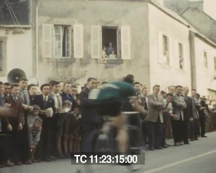 Vues et scènes du pays en 1955