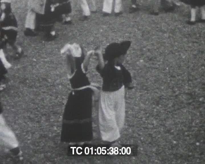 Été 1946, les Rosaires