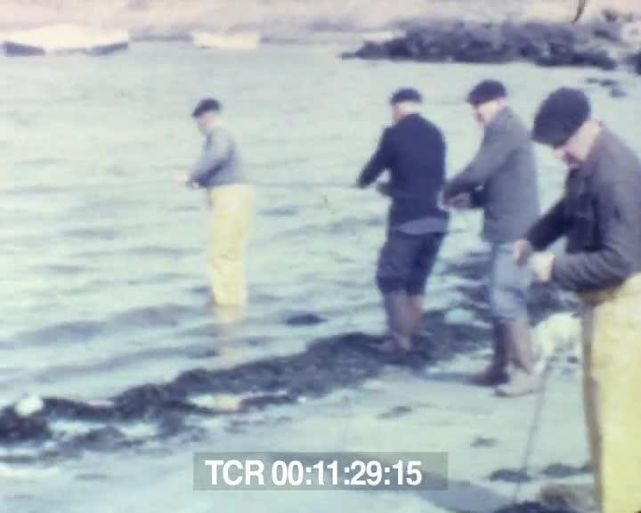 Pêcheurs de coquilles de Logonna-Daoulas   Yves Monot